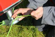 La sostituzione del cavo per il taglio dell'erba per il decespugliatore a ruote Honda Tekna TR60